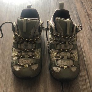 Merrell Brindle Waterproof Hiking Shoes Size 5